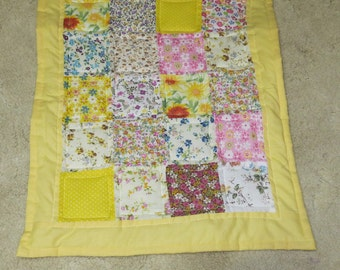 Mini Quilt, Doll Quilt, American Doll Quilt, Yellow, Patchwork, Quilt, Handmade Quilt, Toys, Dolls 18 inch dolls