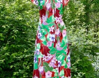 SALE  Vintage Hilo Hattie Muumuu Dress - Hawaiian Punch - Bust 40 Inches
