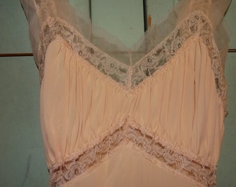 Grecian Greek Goddess Night Gown Long Cream or Peach Gown Lace, Gathered Bust Line / Ribbon Belt / Toga Party / Greek Goddess Gown / Size 32