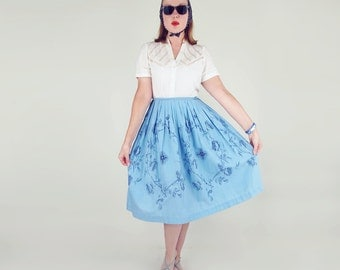 "50s Blue Roses Print Cotton Full Skirt 30"" waist"
