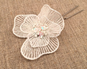 Embroidered organza bridal hairpin with iridescent thread and sequins, white
