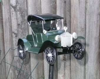 Yard Art - Classic Green Car