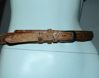vintage 1970s tooled leather belt / brown leaves vines Western silver buckle 28 30 inch
