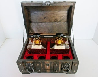 Treasure Chest Bar Amber Glass Decanter Set Shot Glasses Pirates Box Vintage Wood Medieval