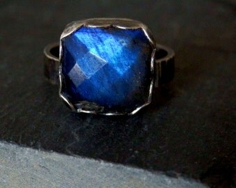 Labradorite ring / sterling and rose cut labradorite ring / blue flash labradorite ring / square  labradorite ring / labradorite jewelry