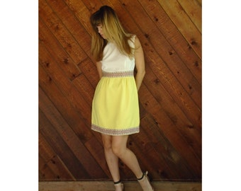 Sleeveless Yellow Embroidered Mod Mini Dress - Vintage 60s - SMALL S