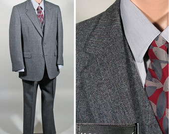 1980s Men's Vintage Grey 3 Piece Singe Breasted Wool Suit SZ 39R