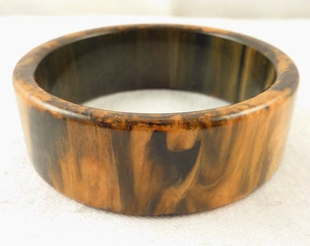 Beautiful Vintage Marbled Brown and Yellow Butterscotch Bakelite Thick Bangle Bracelet