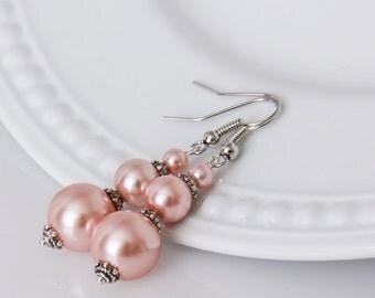 Peach Pink Bridesmaid Earrings, Pink Pearl Earrings, Pink Bridesmaid Jewelry, Bridal Earrings, Wedding Earrings, Bridesmaid Gift