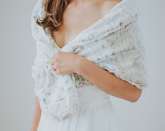 Faux Fur Wedding Shawl | Ivory Faux Fur Wrap | Bridesmaid Stole | Winter Wedding Cover Up [Norfolk Fur Stole]