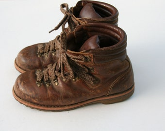 Size 41 Vintage Zamberlan Distressed Leather Ankle Hiking Boots
