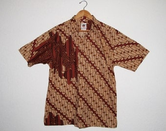 Vintage Batik Print Indonesian Shirt KERIS Fashion, Tropical Hawaiian Tribal Print Cotton Mens size L Excellent, Fits M to M/L