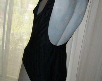 Vintage 1970s Catalina Bathingsuit Elegant Flattering Slimming Size M Classic