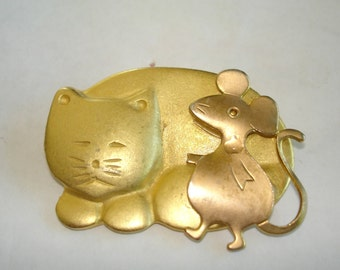 Cat Mouse  Brooch