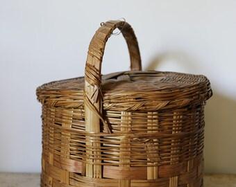 picnic style vintage basket