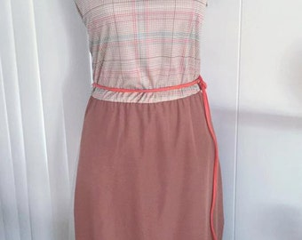 Sale Cute Vintage 1960's 1970's era Belted Shift Dress in Rust and Oranges -- Size XL