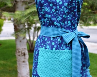 Women's Blue Arrows Reversible Apron