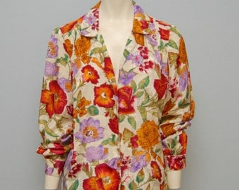 Vintage Long Sleeved Floral Blouse with Gold Buttons