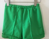 Vintage 60s / Kelly Green / Girls / Mod / Shorts / Size 10