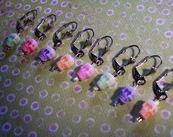 String Bling, Beaded Removable Stitch Row Markers, Knit Crochet Aid Yarn Charms, Fiber Art Tool Set of 8 eight, Colors of the RAINBOW SKULLS