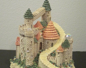 Spoontique Resin Castle with Crystals