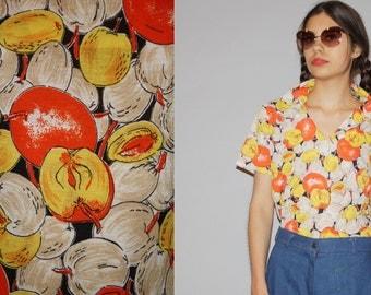 1970s  Graphic Novelty Fruit Apple Peach Women's  Blouse  -  70s Novelty  top - Women's Graphic  Blouses  - WT0477