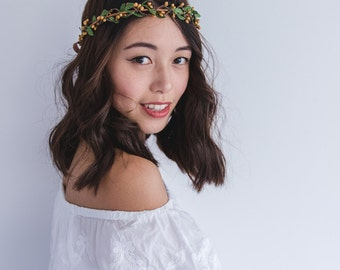 rustic leaf & berry flower crown // delicate wedding woodland rustic bohemian bridal forest garden floral headpiece / rustic wedding