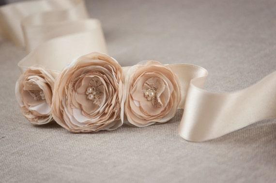 Rustic Wedding Sash, Wedding Belt, Flower Sash, Beige Wedding Sash, Champagne Belt, Floral Bridal Belt