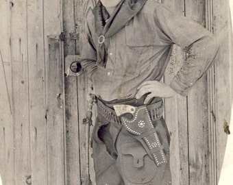 REAL COWBOY With Pistol In Fancy HOLSTER Photo Circa 1910s