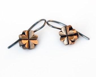 Lucky clover niobium earrings