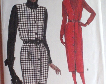 Very Easy Very Vogue 8477 Sewing Pattern - Misses/Misses Petite Jumper and Turtleneck Top - Sizes 14-16-18, Bust 36-38-40, Uncut