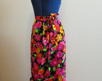 Wrap Skirt ruffle 1960s MOD barkcloth floral pink orange green black Hawaiian  S