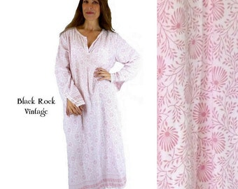 Pale Pink Caftan Women Size Medium Upcycled Recycled