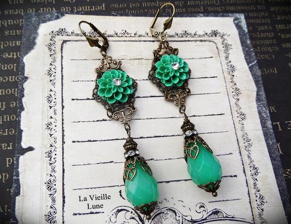 Lightweight Jade Green Victorian Flower Earrings, Spring Boho Flower Jewelry, Victorian Jewelry