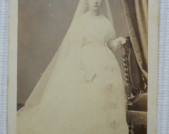 French Antique CDV Photograph - Young Woman in Confirmation Gown & Long Veil (A. Duval, Caen, France)
