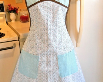 Old Fashioned Vintage Style Apron in Aqua and Brown