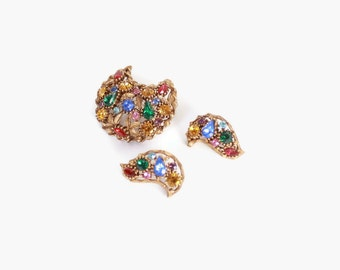 Vintage 60s BROOCH & EARRING SET / 1960s Jewel Tone Rhinestone Aged Gold Earring and Pin Set