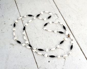 1960s Black and White Long Necklace