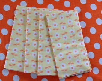 Cloth Dinner Napkins, Set of 4 Napkins, Yellow Napkins, Cotton Dinner Napkins