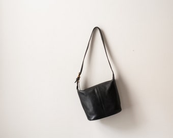 Vintage SOHO Coach bucket bag size small with brass hardware