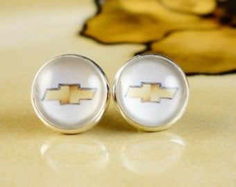CHEVY LOVER White 12mm silver stud earrings 1 pair