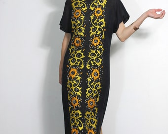 Boho Embroidered Caftan Dress Vintage 70s Hippie Queen Maxi Folk Embroidery Long Sheer Muumuu Gown