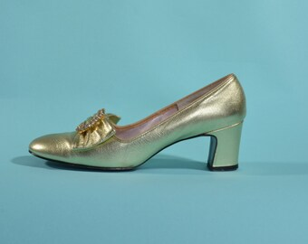 Vintage 1960s Gold Wedding Shoes - Rhinestone Buckle Pumps - Bridal Fashions Size 6