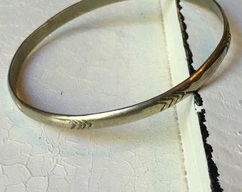 Vintage Sterling Silver Chevron Bangle Bracelet. Bangle Bracelet. Sterling Silver Bracelet. Arrow Design Bracelet. Chevron Design Bracelet
