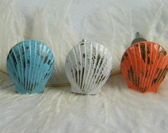 Nautical Drawer pull Clam Sea shell Sea Creature / Furniture Hardware Beach House / Nautical Home / Nursery Decor / Aqua or White or Coral