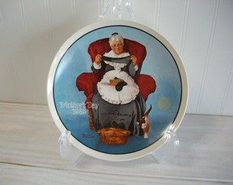 "Mothers Day 1985 Norman Rockwell "" Mending Time "" Collectors Edition Vintage Decorative Collectors Plate"