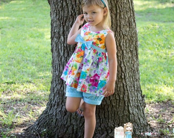 Watercolor Top with stripe Fawn pleated  bubble shorts or dress.Size 2- 8