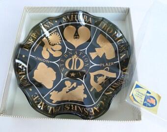 Old Las Vegas Houze Art Glass Bowl Gambling Casino Hotels Resorts Vacation Travel Souvenir