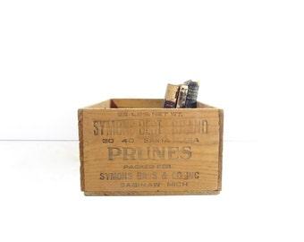 Vintage Wood Fruit Crate / Rustic Storage