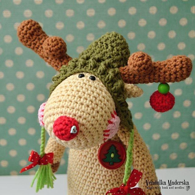 Crochet pattern Christmas Reindeer by VendulkaM amigurumi/